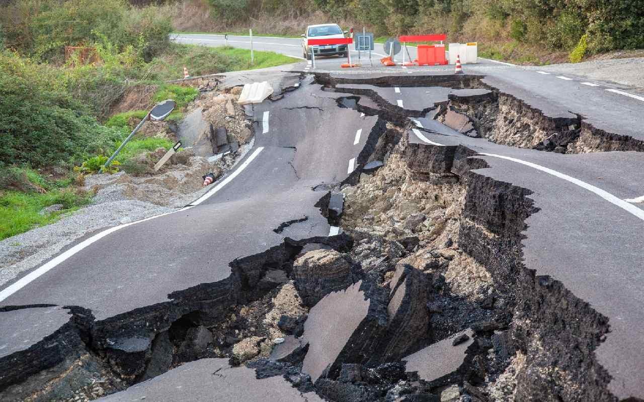 Verletzte und Tote bei Erdbeben in Japan
